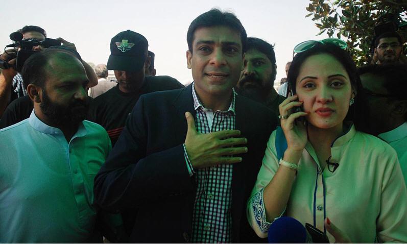 Image result for gharida farooqi and imran khan